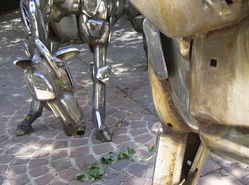 metal horses