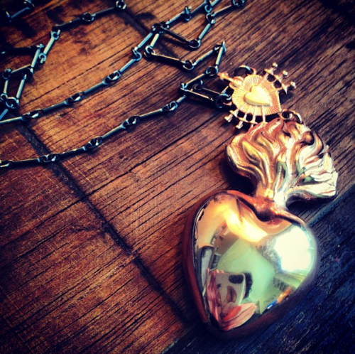 bloodmilk locket